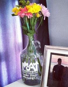 growler vase